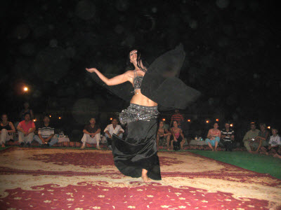 belly dancing dubai desert