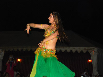 belly dance in desert safari camp